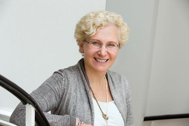Dr. Dorothee Bergfeld